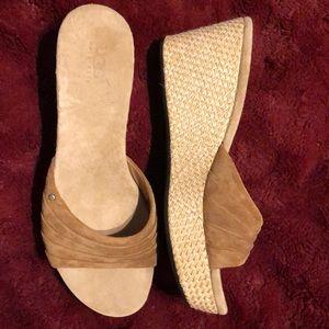 UGG SX 10 Chestnut Alvina Wedge Sandal